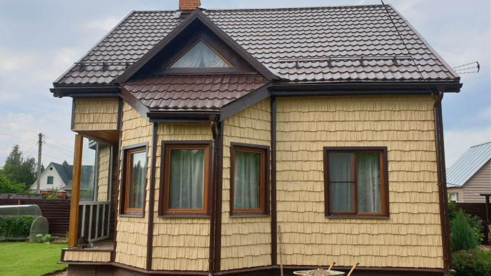 Результат обшивки фасадными панелями