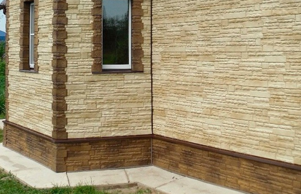 Натуралистичность фасадных панелей Альта Профиль Скалистый камень в цвете Анды