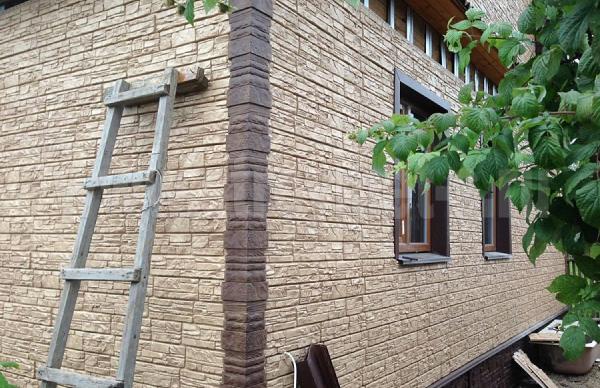Фасадные панели Я-Фасад Скала в процессе монтажа